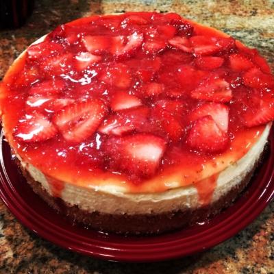 Vanilla Cheesecake with Fresh Strawberries